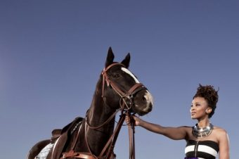 Claire Mawisa, une material girl pour Vodacom Durban July