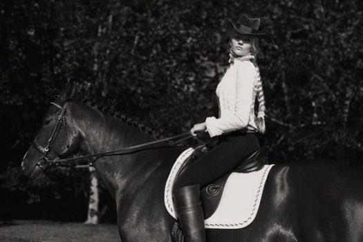 [Fashion Editorial] Liis Anton : coquineries à l'écurie