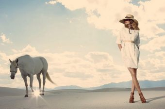 [Fashion] Le cheval blanc de Ports 1961