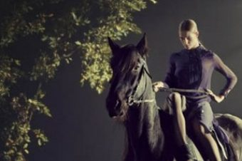 [Fashion Editorial] Dans les rêves équestres de Michael Bader