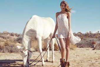 [Fashion] Le cheval blanc de Revolve Clothing, spring 2013