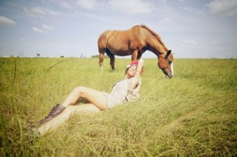 [Photography] Jenny Woods : A Horse With No Name