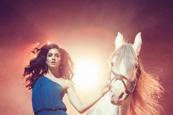 [Fashion Editorial] Valentina Dimitrova fait son cirque pour ELLE Bulgaria