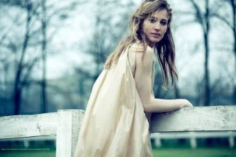 [Fashion Editorial] Les cavalières romantiques de ELLE Serbia