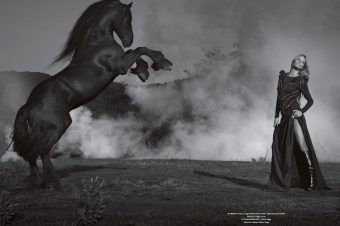 [Fashion Editorial] Horse Magazine : Horse fighting for power