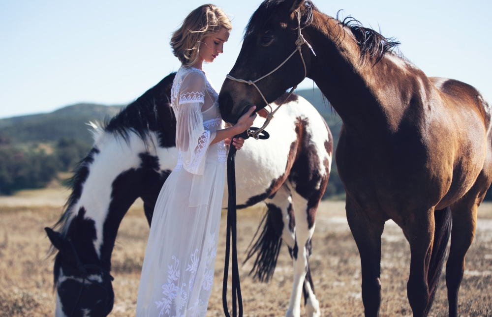 www.pegasebuzz.com | Rosie Huntington-Whiteley by David Bellemere for The Edit, april 2015