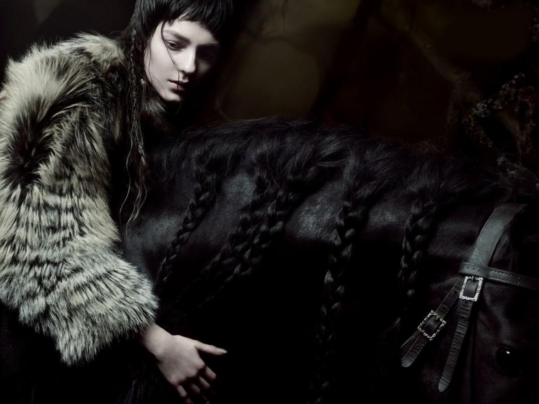 www.pegasebuzz.com | Kati Nescher by Sølve Sundsbø for Vogue Italia, november 2014