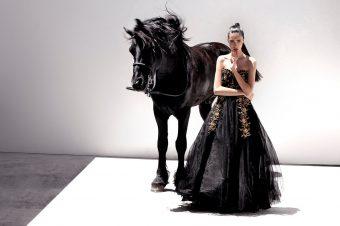 [Fashion Photography] Le cheval noir de Delfina Bucure