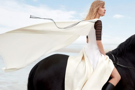 [Fashion Editorial] Le cheval noir de Town & Country UK