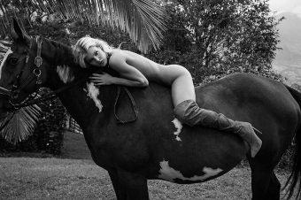 [Sexy Poney] Joy Corrigan, la cow-girl de Galore