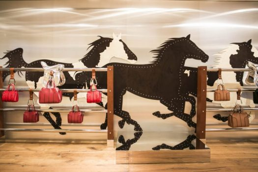 [Mershandising]  Le pop-up des sacs « Sella » de Tod's