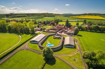 [Dream Barn] Park House Stables Kingsclere