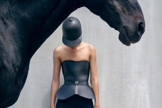 [Fashion] Dior en croisière équestre avec Selena Forrest
