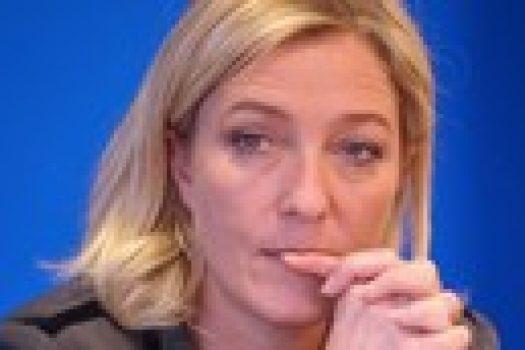 Marine Le Pen, envahie par les poneys