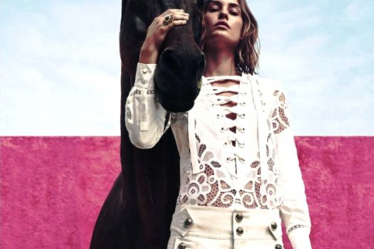 [Fashion Editorial] Une écurie rose pour le printemps Harper's Bazaar