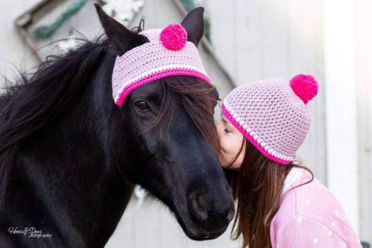 [MUST-HAVE] Les bonnets à pompon pour chevaux